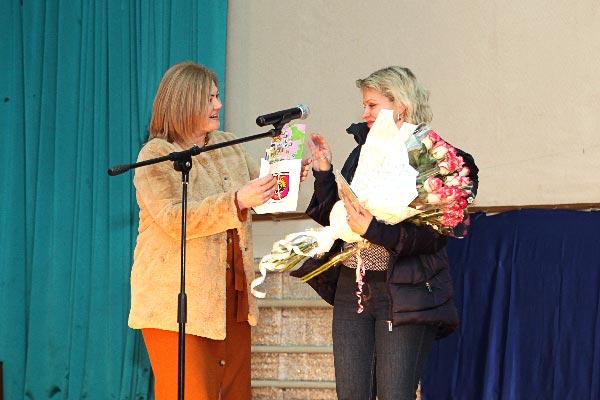 13 березня Витьковська Порошенко Кино в кинотеатрі.jpg